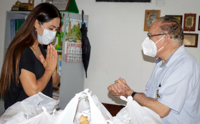 El obispo emérito de Palencia afirma que le ha sorprendido la sensibilidad de Carla Ortiz, muy conocida en México y Estados Unidos.