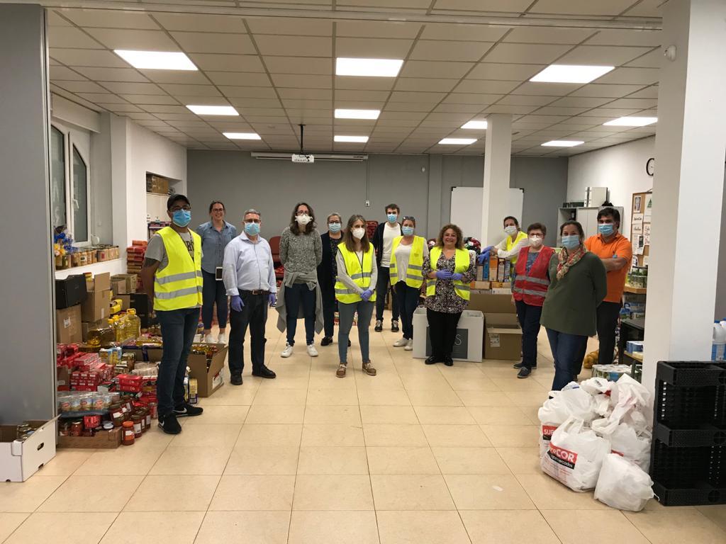 Más de 250 familias se beneficiarán de 6.000 kilos de comida gracias a esta campaña organizada por la Parroquia de San Lorenzo del Escorial.