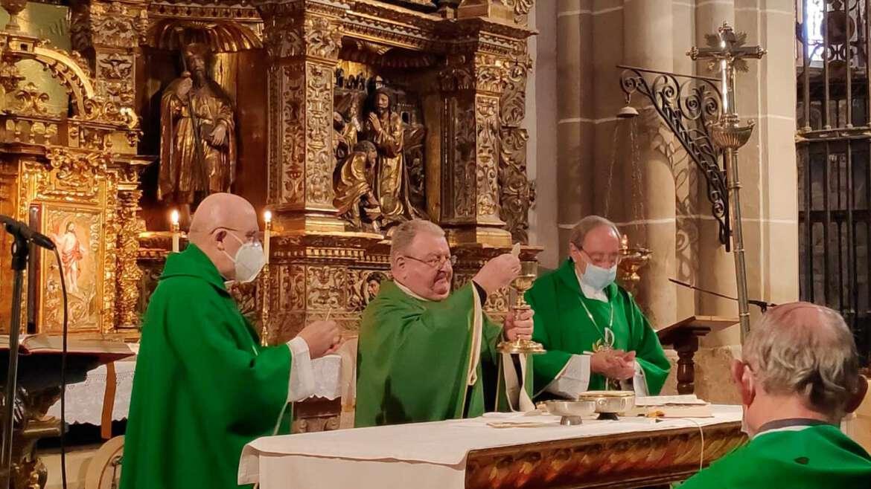 Bodas de Oro sacerdotales del Obispo de Palencia, Mons. Manuel Herrero
