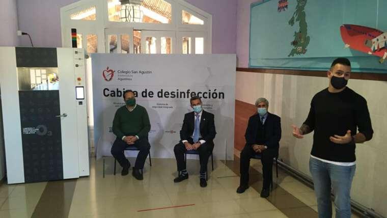 El Colegio San Agustín de Zaragoza instala una cabina anti Covid-19
