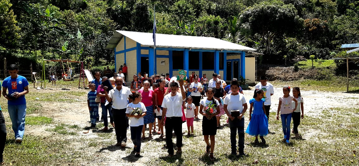La presencia de los agustinos se extiende a territorios de misión como el Vicariato de Iquitos, en Perú, o la Diócesis de San Pedro Sula, en Honduras.