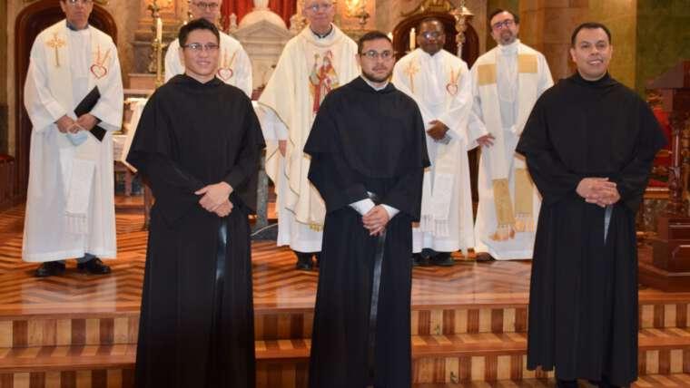Profesión de Votos solemnes en la Parroquia San Agustín de Valladolid