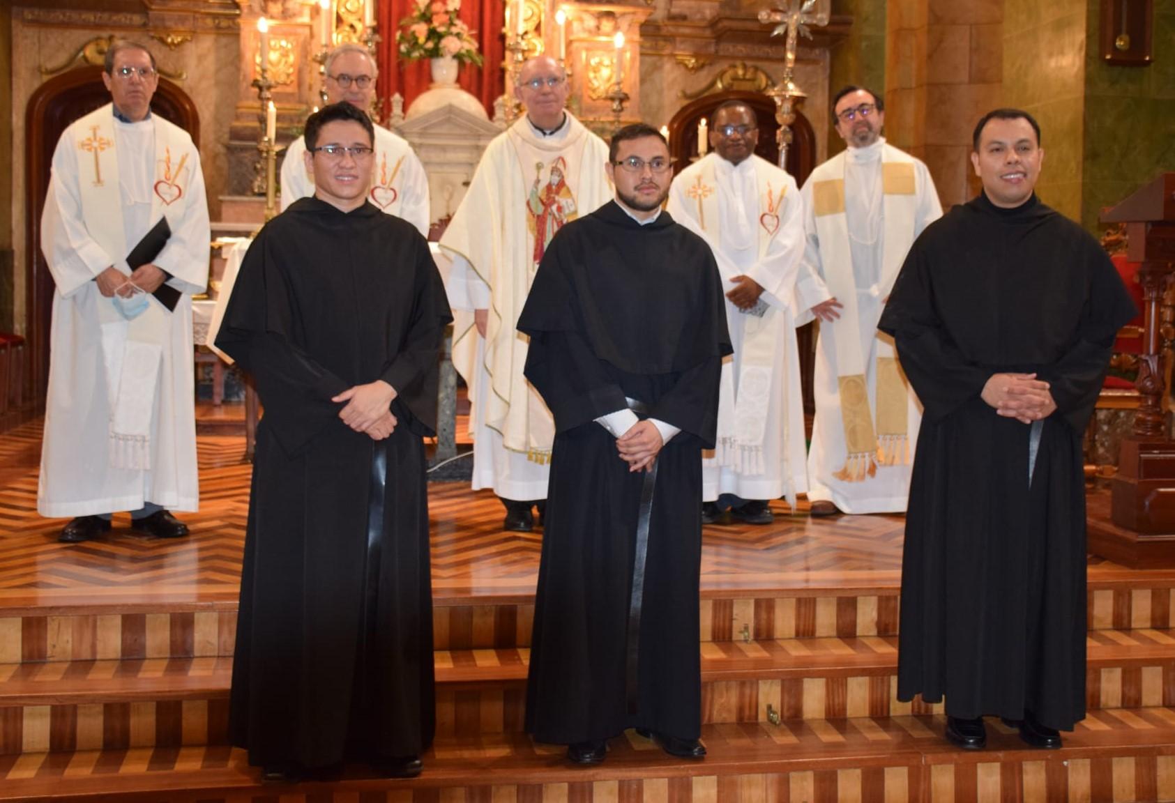 Se han celebrado las profesiones solemnes en la Orden de San Agustín de tres hermanos de la Comunidad de Formación de Valladolid.