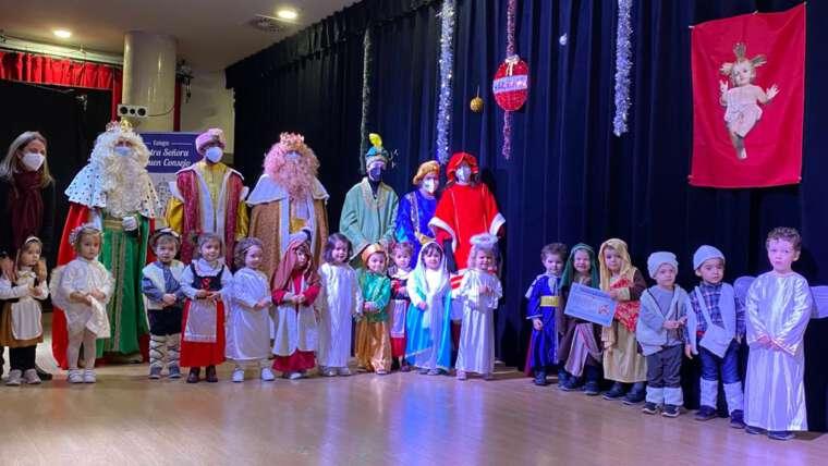 Sus Majestades los Reyes visitan los colegios agustinos