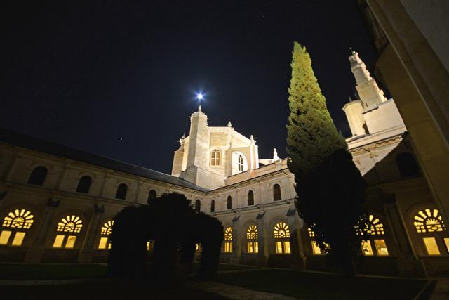La comunidad de agustinos del Monasterio de Santa María de la Vid la forman seis religiosos. Un lugar vinculado siempre al servicio a la Iglesia.