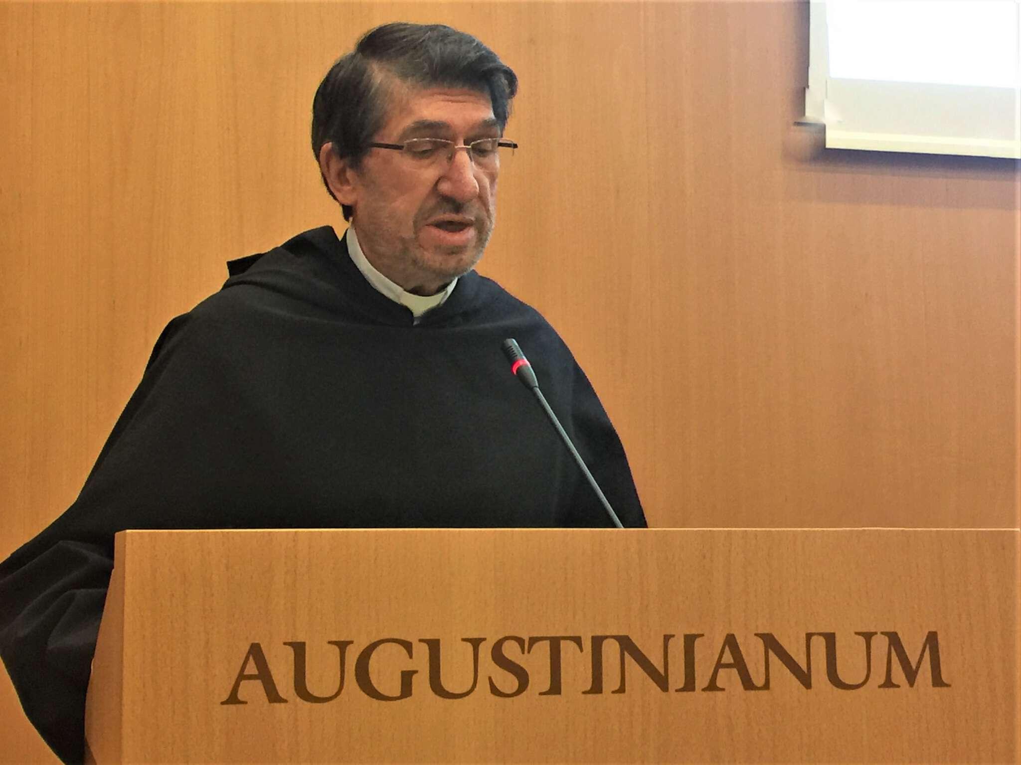 El P. Alejandro Moral Antón, OSA, urge a los religiosos a vivir una renovación profunda para asumir con valentía la novedad que viene del Espíritu.