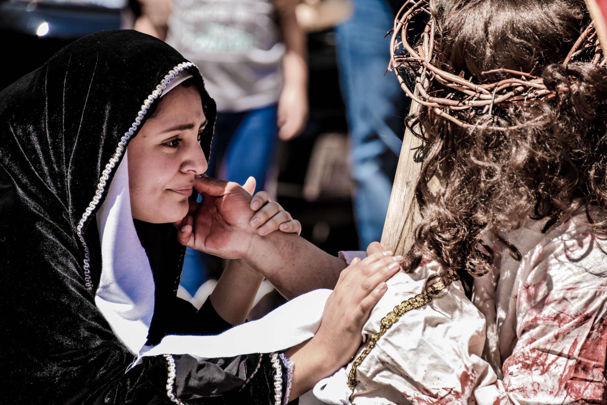 El Viernes Santo recordamos la Pasión y la muerte de Cristo en la Cruz. Aunque parezca paradójico la muerte forma parte de la Buena Noticia de Jesús.