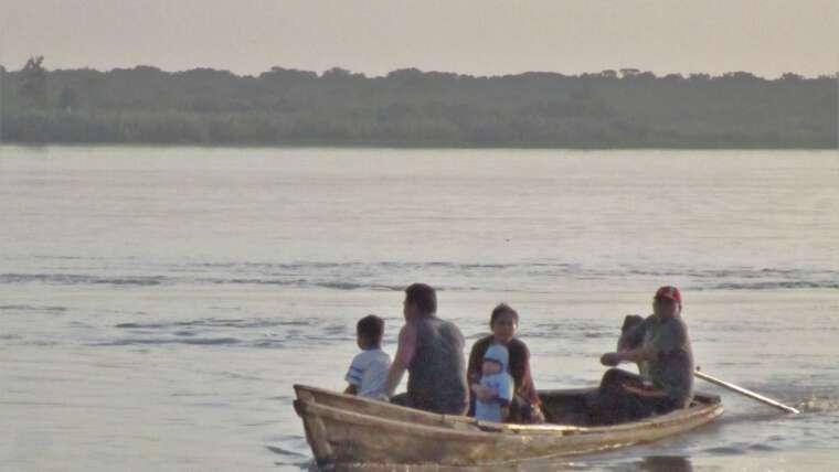 Educar por la radio en la selva amazónica del Perú