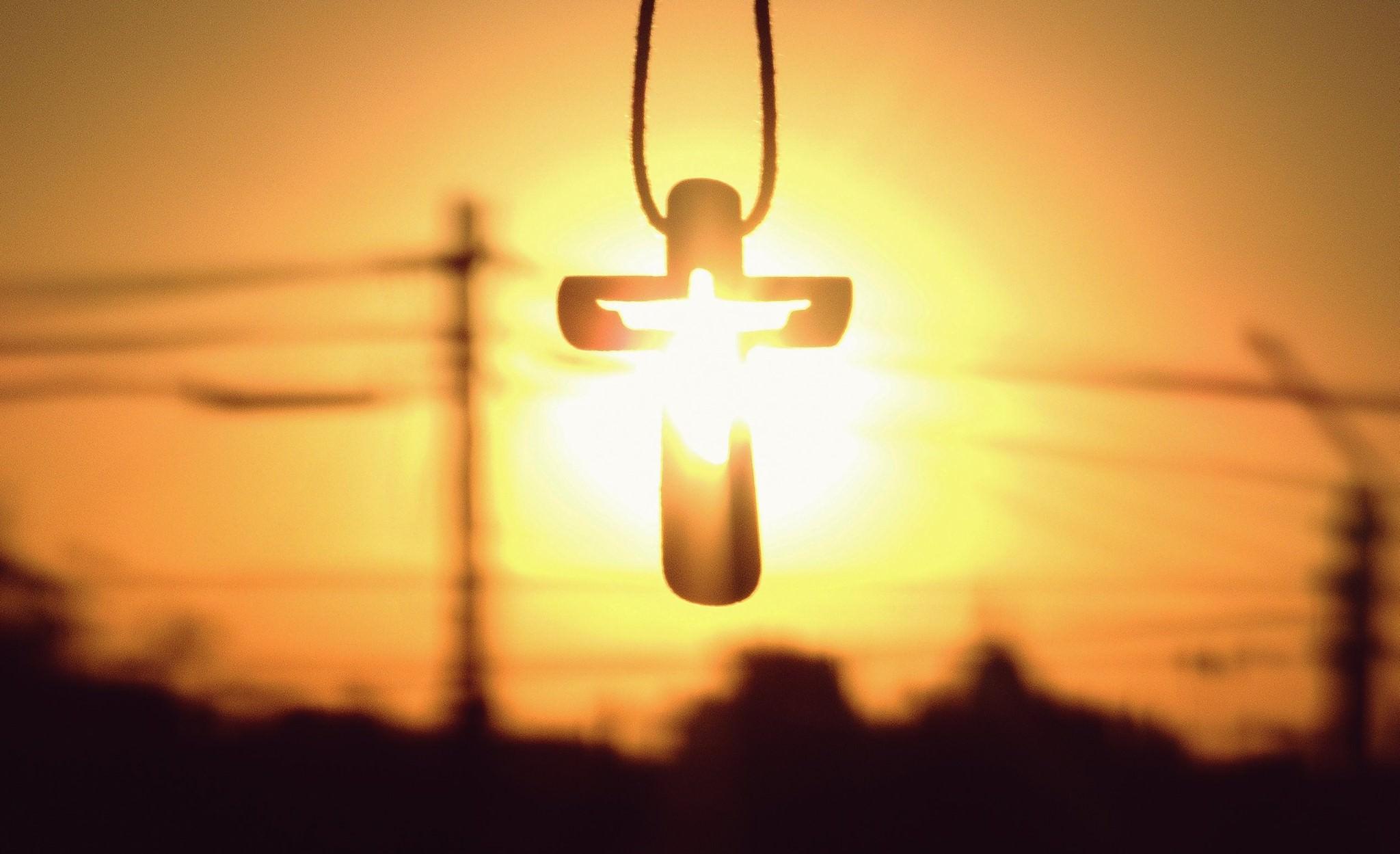 El Evangelio del próximo domingo, cuarto domingo de Cuaresma nos invita a poner los ojos en el amor de Dios (Jn 3, 14-21).