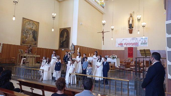 En parroquias y colegios agustinianos los niños y jóvenes reciben los sacramentos de la Reconciliación, la Comunión y la Confirmación.