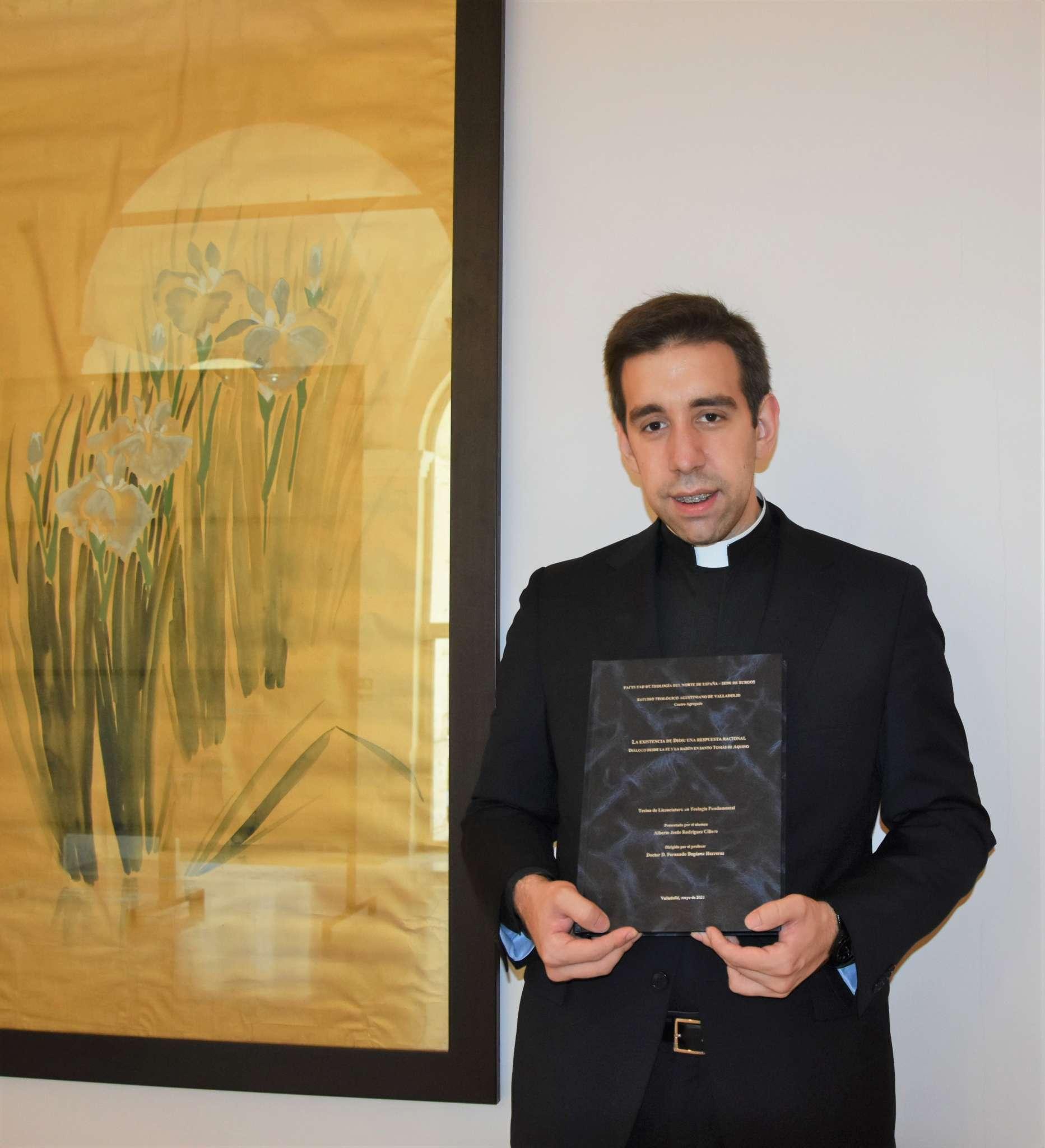 El 25 de junio, defendió su tesina de Licenciatura en el Estudio Teológico Agustiniano de Valladolid, el alumno Alberto Rodríguez Cillero.