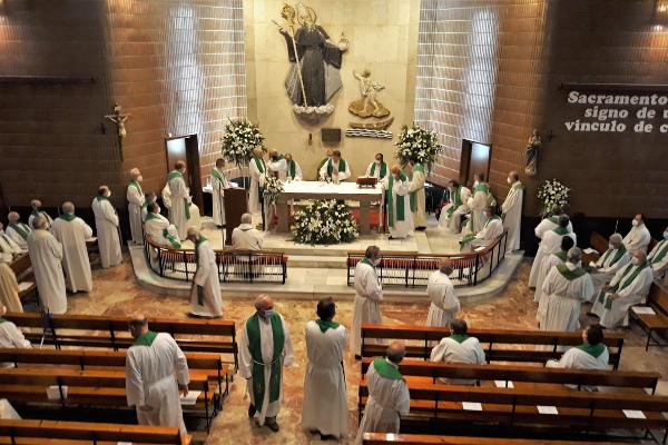 Religiosos agustinos festejan las Bodas de oro y plata de su profesión de votos simples