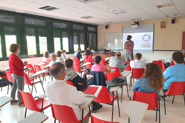 25 profesores del colegio San Agustín (Los negrales) participan en la sesión de formación para el profesorado, de la iniciativa #iDEas2030.