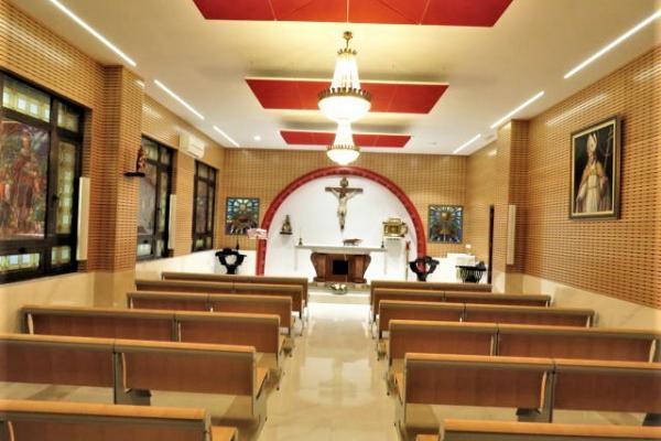 El domingo 10 de octubre, ha tenido lugar la bendición e inauguración de la nueva capilla del colegio de los PP. Agustinos de Valencia.